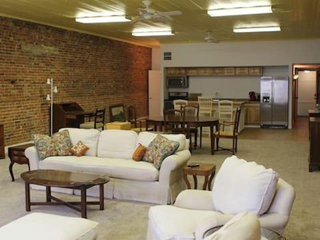 Old Rex Loft BnB Suite A
