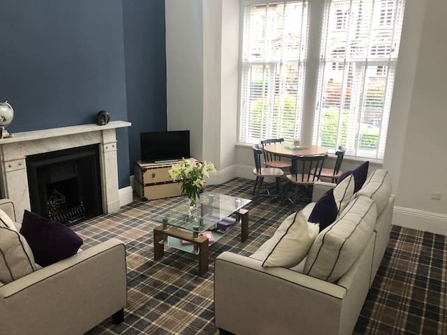 Stunning 2 Bed Luxury Apartment Harrogate Centre