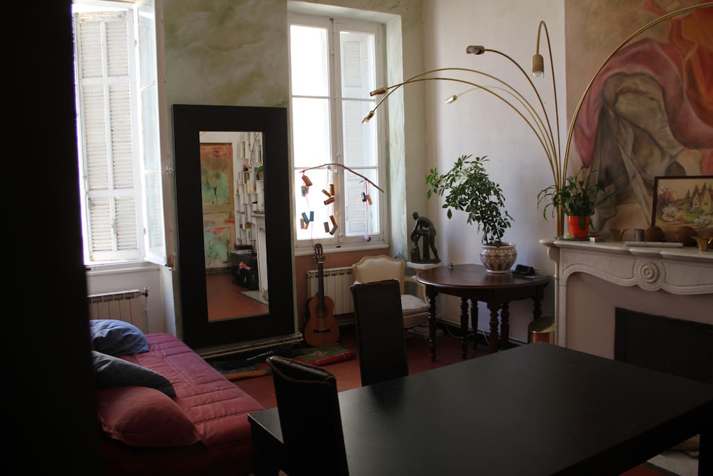 Chambre appartement spacieux gare st charles for Gare routiere salon de provence