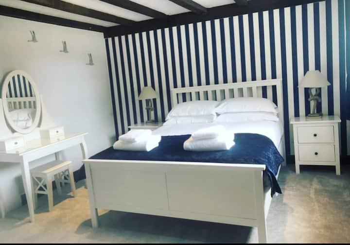 'The Hampton' Room at The Tormaukin Inn
