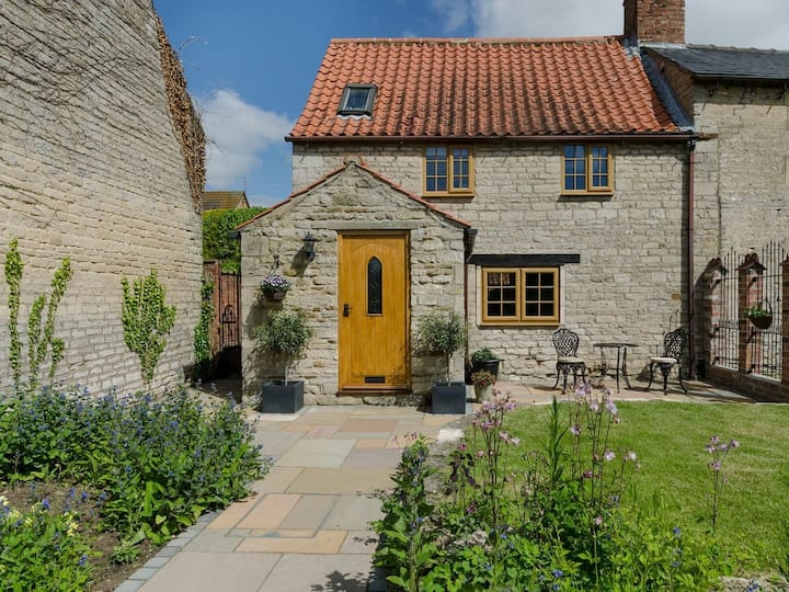 Apple Tree Cottage (UKC3367)