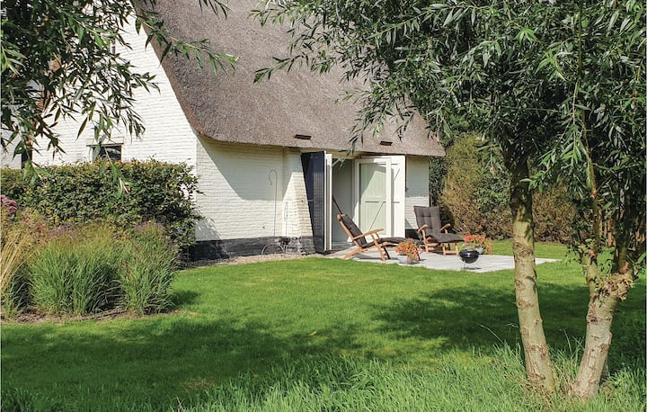 Holiday cottage with 1 bedroom on 40m² in Heeze