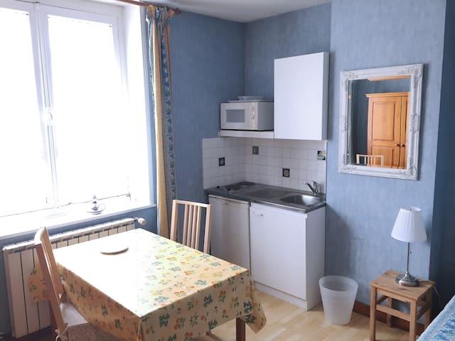 Chambre Provençale - Ronchin - Apartamento