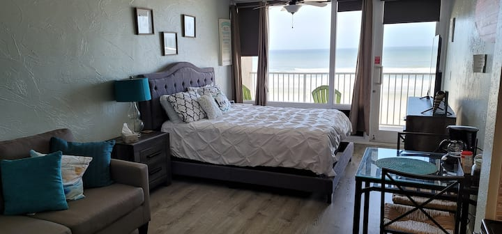 #321 -Gorgeous Ocean View Studio in Daytona Beach!