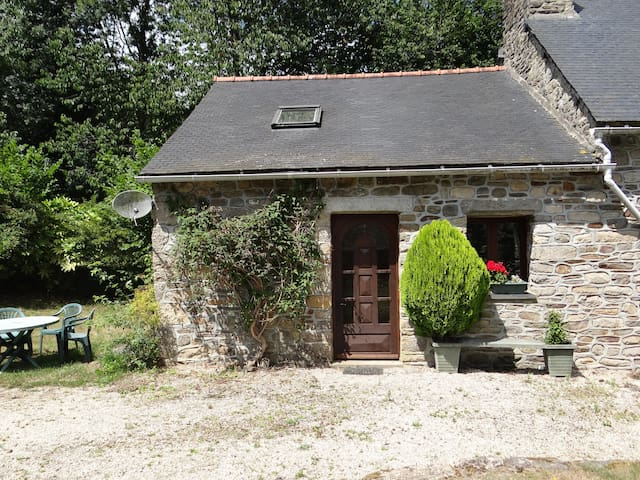 3 Bedroom 'Wilde' Gite/Cottage set in a rural area