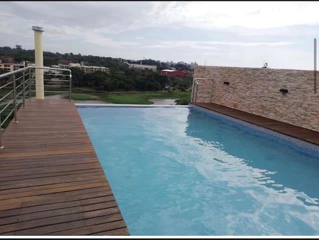 Hermoso apartamento nuevo con piscina sin fin, gim