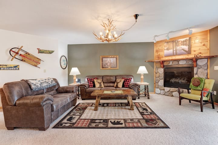 Premium Cleaned | Dog-friendly lakefront condo w/ gas fireplace, dock & firepit!