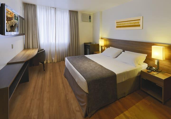 Suíte de hotel até 02 pessoas com Café da Manha