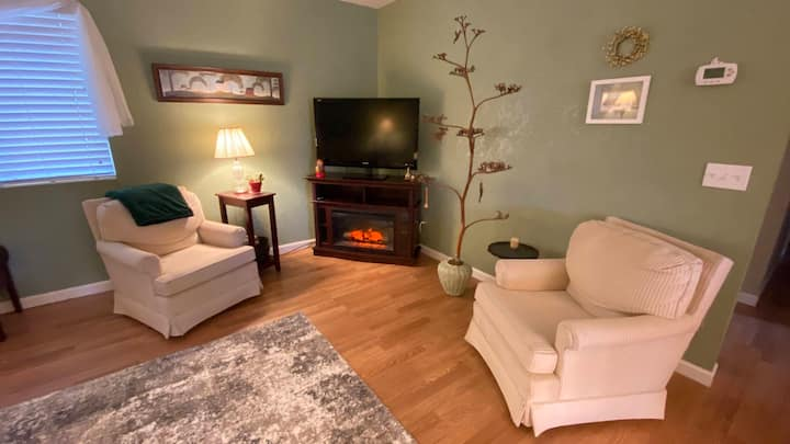 Come Enjoy the 4 Seasons Serene Home in Cottonwood