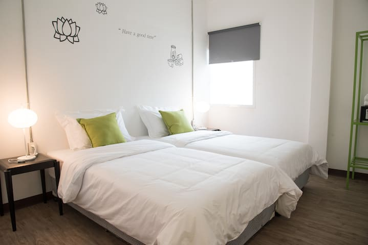 Very comfy room twin bed@ Bed&body - Bangkok - Outros
