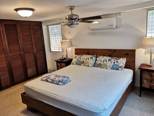 Roomy BIG comfortable SPACIOUS and centric bedroom