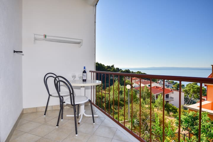 Studio with Balcony and Sea View, close to beach