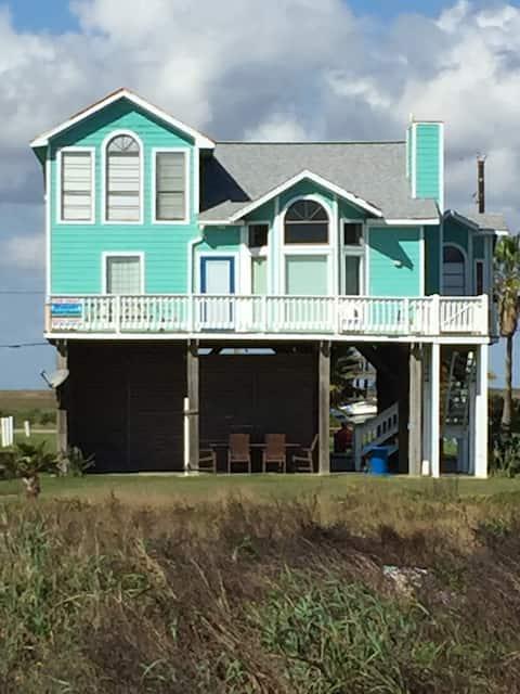 Beach Candy - fabulous beachfront family home