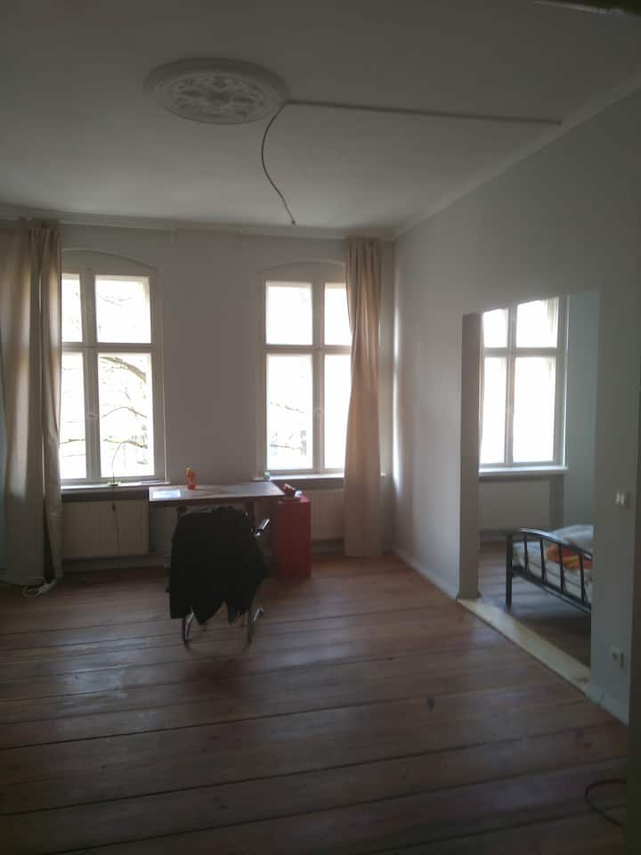Berlin Mitte - Cozy room for 1/2 + air cleaner