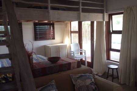 Amazing studio apartment on Supers - Jeffreys Bay - Byt