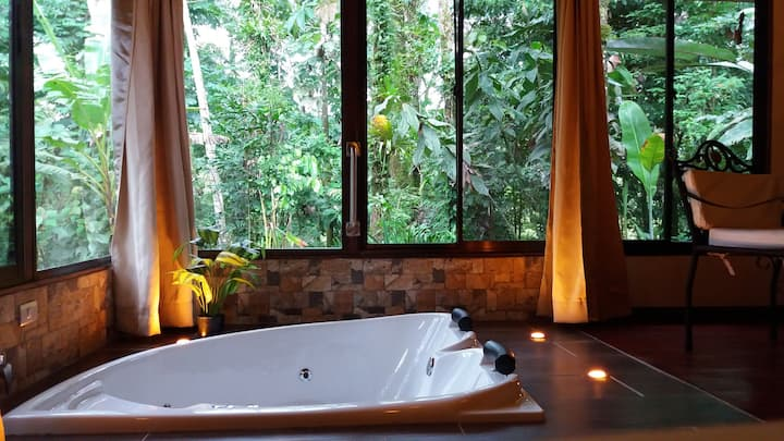 Tropical suite with jacuzzi 1