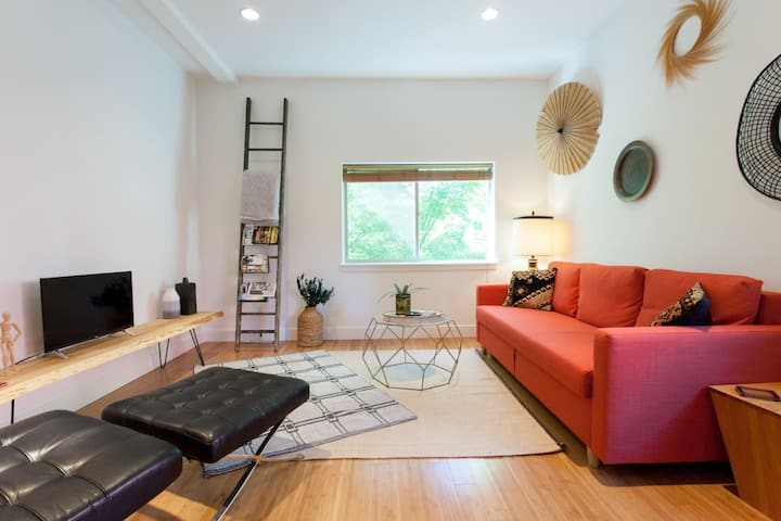 ON Alberta Street: Private Loft w/ Rooftop!