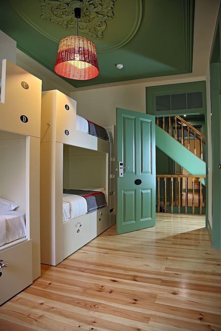 Cama em Dormitório misto no centro do Funchal