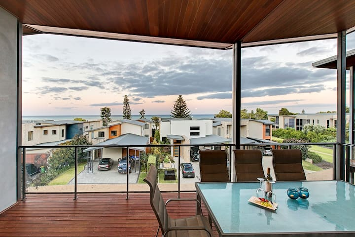 Seaview Holiday House
