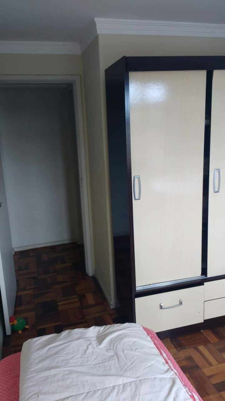 Ótima Suite em Curitiba, bairro Juvevê.