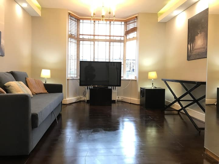 5th Floor 2 bedrooms flat in Bayswater/Hyde Park