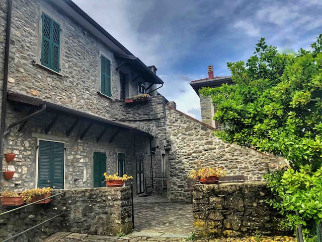 Airbnb Castagnetoli Vacation Rentals Places To Stay