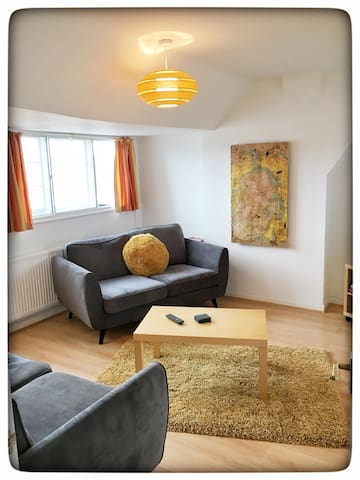 Flat 7even - Big, Bright and Close to the Beach!!