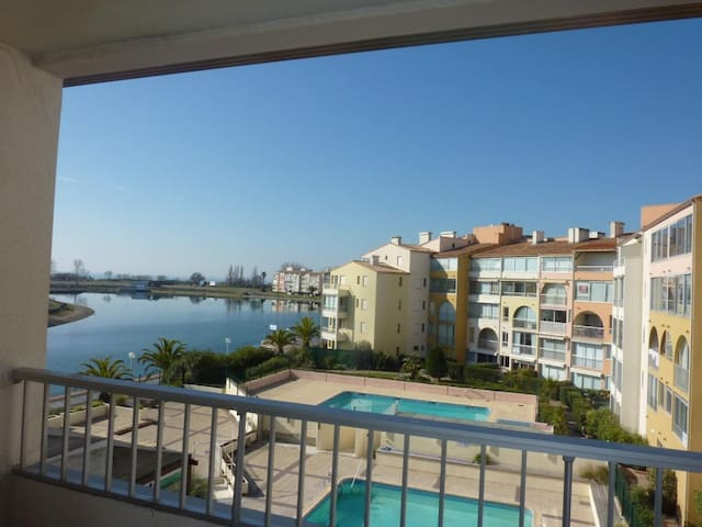 Résidence Panoramic, plage Richelieu, piscine