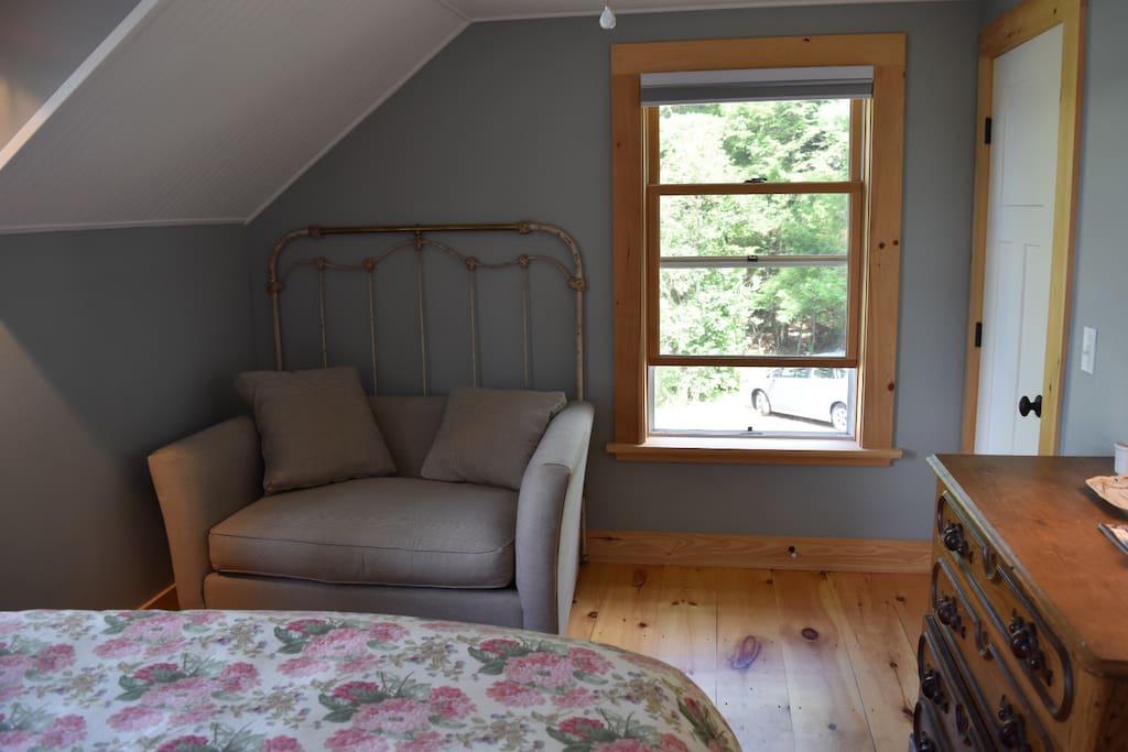Double Bedroom facing lake