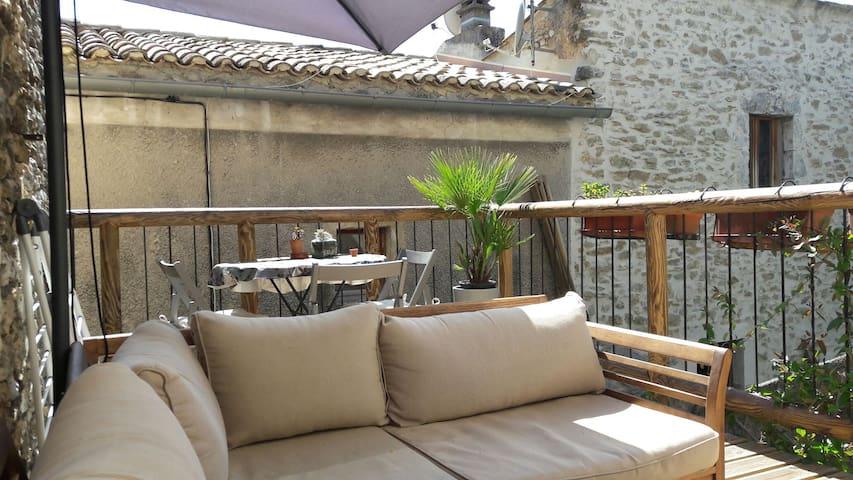 Belle maison de village. - Saint-Montan - Casa