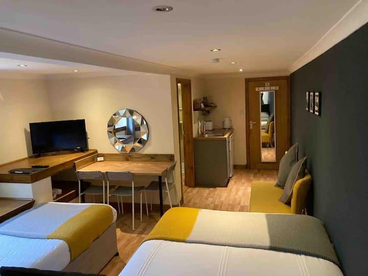 Mini apartment,en-suite, kitchenette,fort William