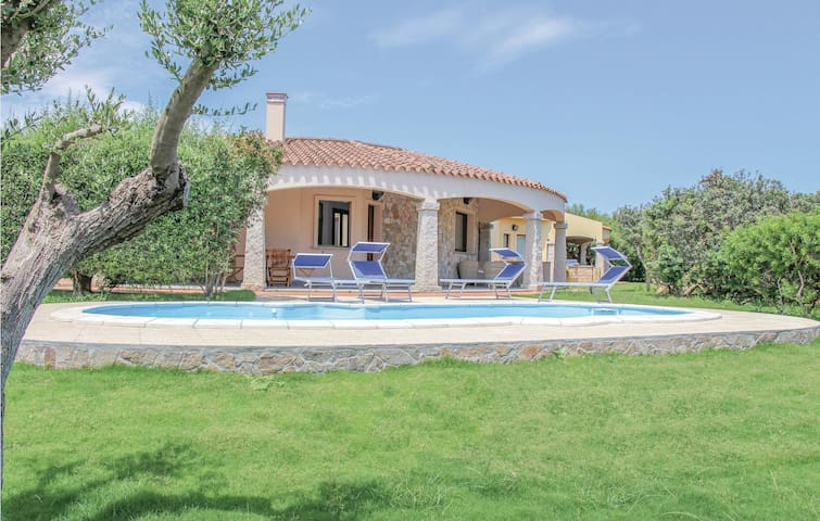 Holiday cottage with 3 bedrooms on 120m² in Costa Rei -CA-