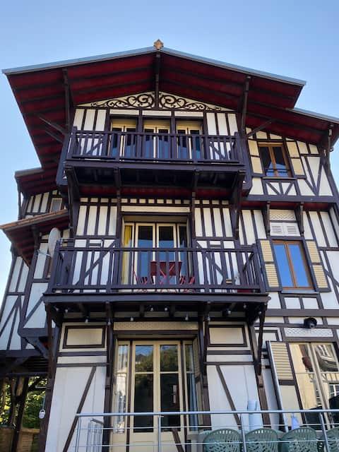 Villa de charme au cœur d'Etretat 200 m de la mer