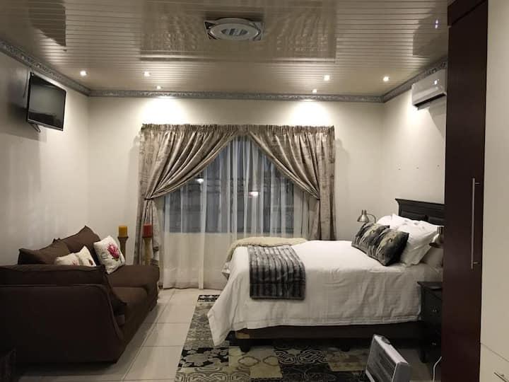 Khayamani Guest House