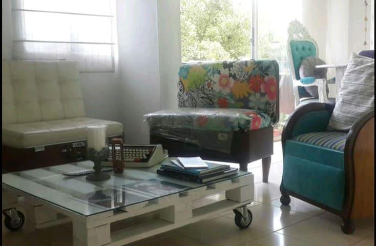 Single Bedroom in cozy home! - Envigado - Apartamento