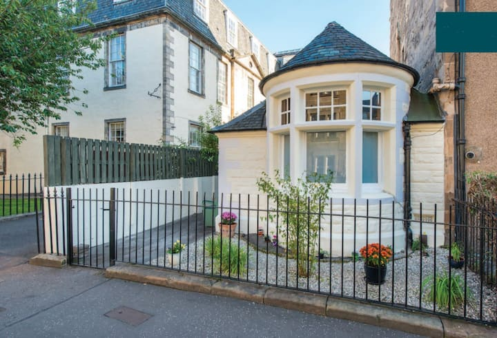Quirky Cottage in Central Edinburgh, Sleeps 2