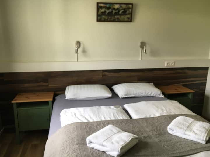Dalakot - Twin Room with Shared Bathroom