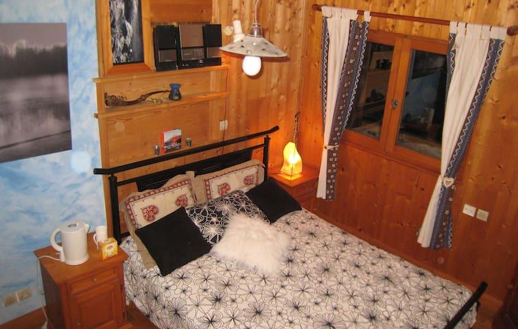 1 chambre double dans chalet de montagne typique - La Rivière-Enverse - Bed & Breakfast