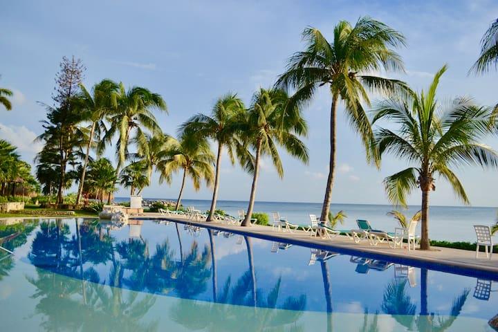 ¡ Mar y Playa! Lindo condo en la Riviera Maya