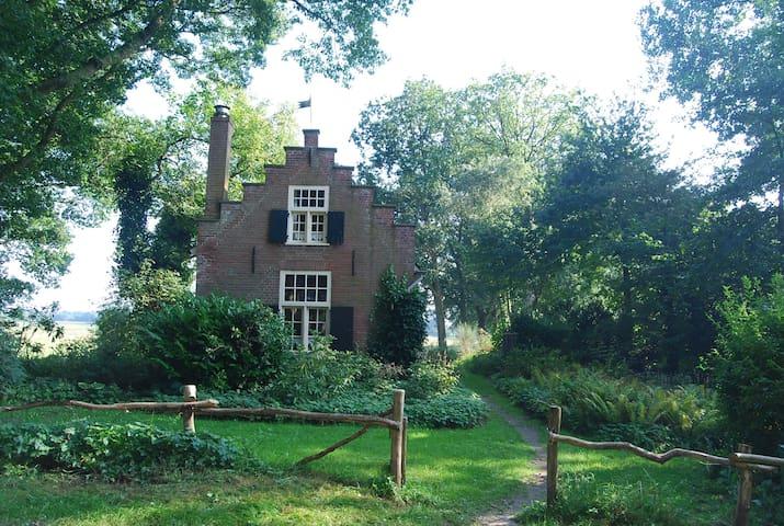 Historisch landgoed, 't Puntje, natuurhuisje