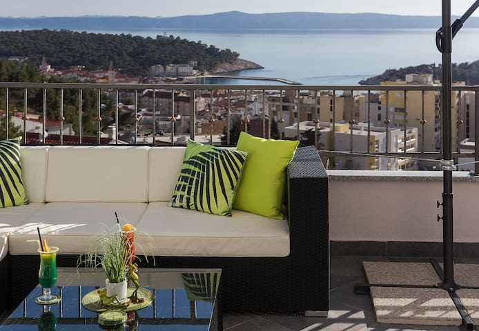 Modern penthouse Makarska with city and sea view - Makarska - Apartament