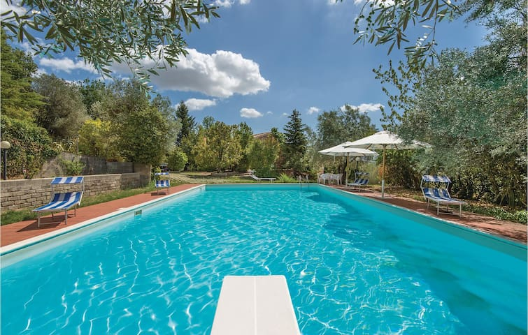 Holiday cottage with 3 bedrooms on 300m² in Poggio Nativo