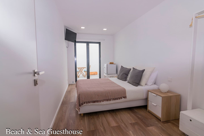Bay suite