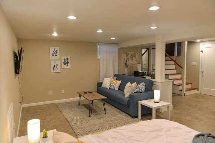 Light-Filled Luxury home in North Portland!