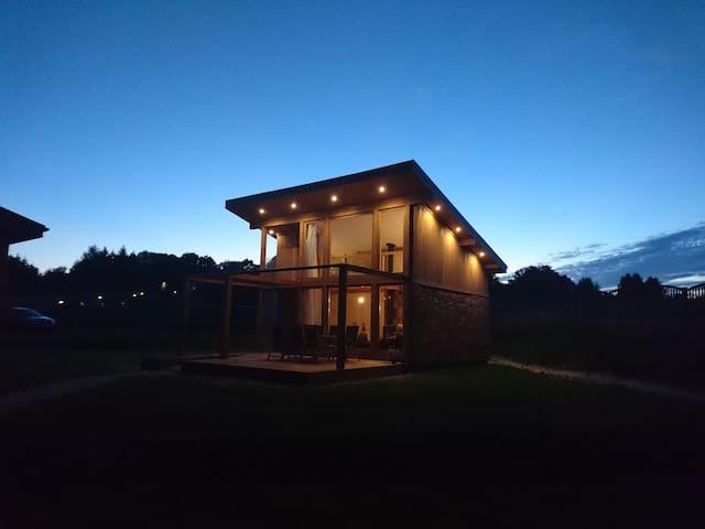 Villa De Lux Black