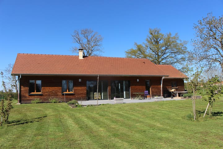 Maison en bois - Montceaux-l'Étoile - Rumah