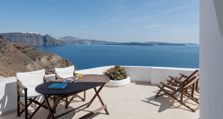 Strogili Family Cave Villa | Up to 4 Guests