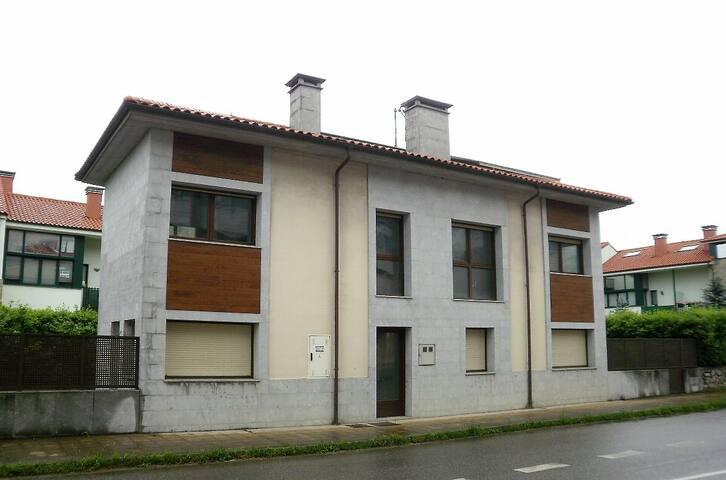 Duplex nuevo en Posada de Llanes para 3-4 personas