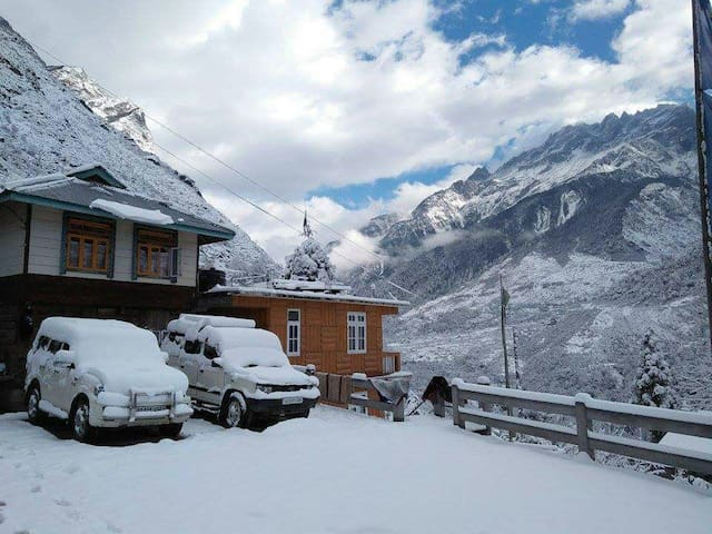 OurGuest Bichu Homestay, Lachung (Includes Meals)