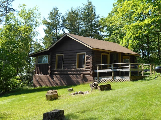 Blackduck Resort Cabin on Blackduck Lake Sleeps 6